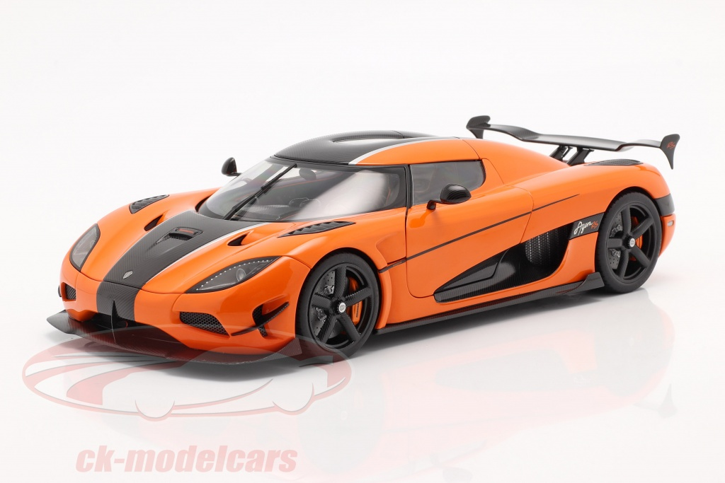 autoart-1-18-koenigsegg-agera-rs-bygger-2015-orange-kulstof-79023/
