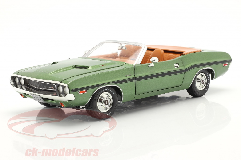 greenlight-1-18-dodge-challenger-r-t-convertible-year-1970-green-metallic-13586/