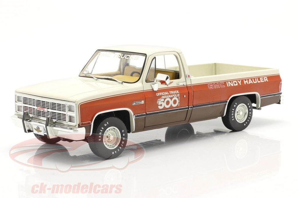 greenlight-1-18-gmc-sierra-classic-1500-official-truck-67eme-indy-500-1983-13564/