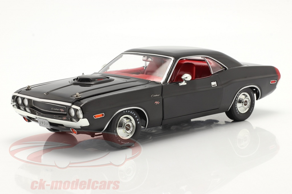 greenlight-1-18-dodge-challenger-r-t-440-6-pack-1970-nero-13585/