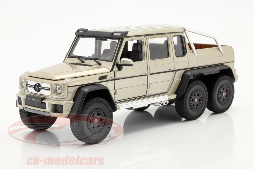 welly-1-24-mercedes-benz-g-63-amg-6x6-year-2015-gold-24061lgd/