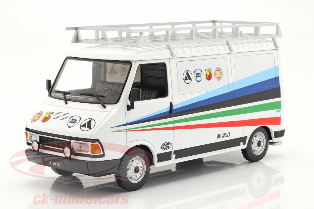 ixo-1-18-fiat-242-camioneta-rallye-technic-assistance-fiat-abarth-1980-18rmc060xe/