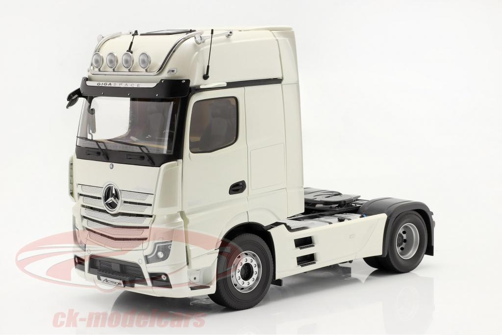 nzg-1-18-mercedes-benz-actros-gigaspace-4x2-lastbil-facelift-2018-hvid-b66004177/