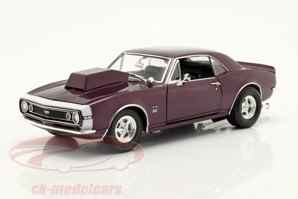 gmp-1-18-chevrolet-camaro-drag-outlaws-year-1967-purple-mgp-1805721/