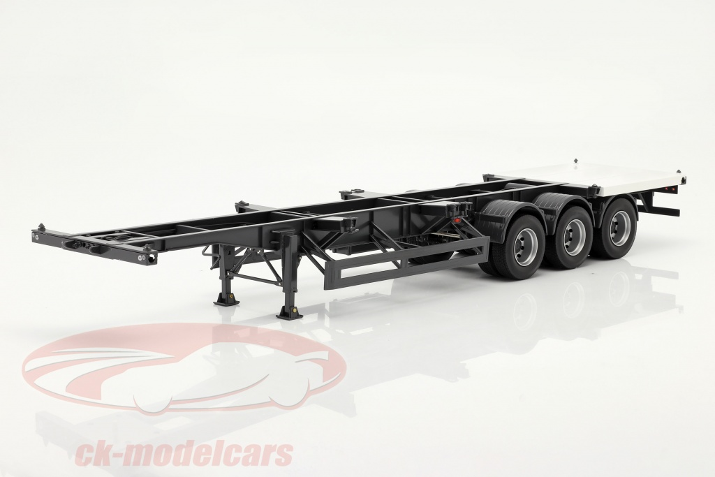 nzg-semi-trailers-international-with-whiter-plate-for-container-1-18-kf000301/