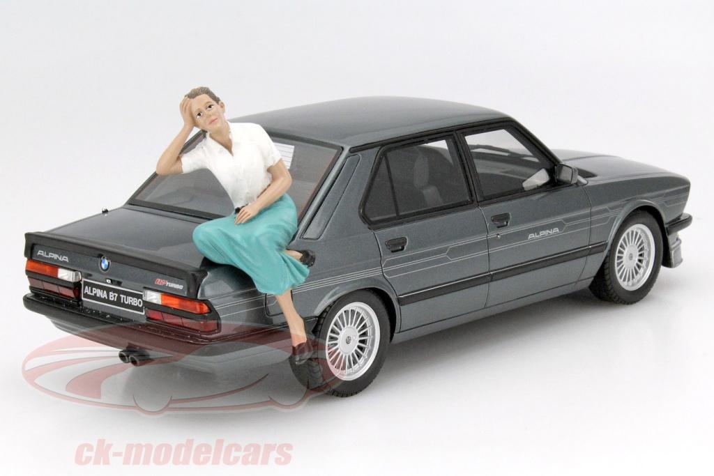 american-diorama-1-18-sitzende-figur-kristan-ad-23888/