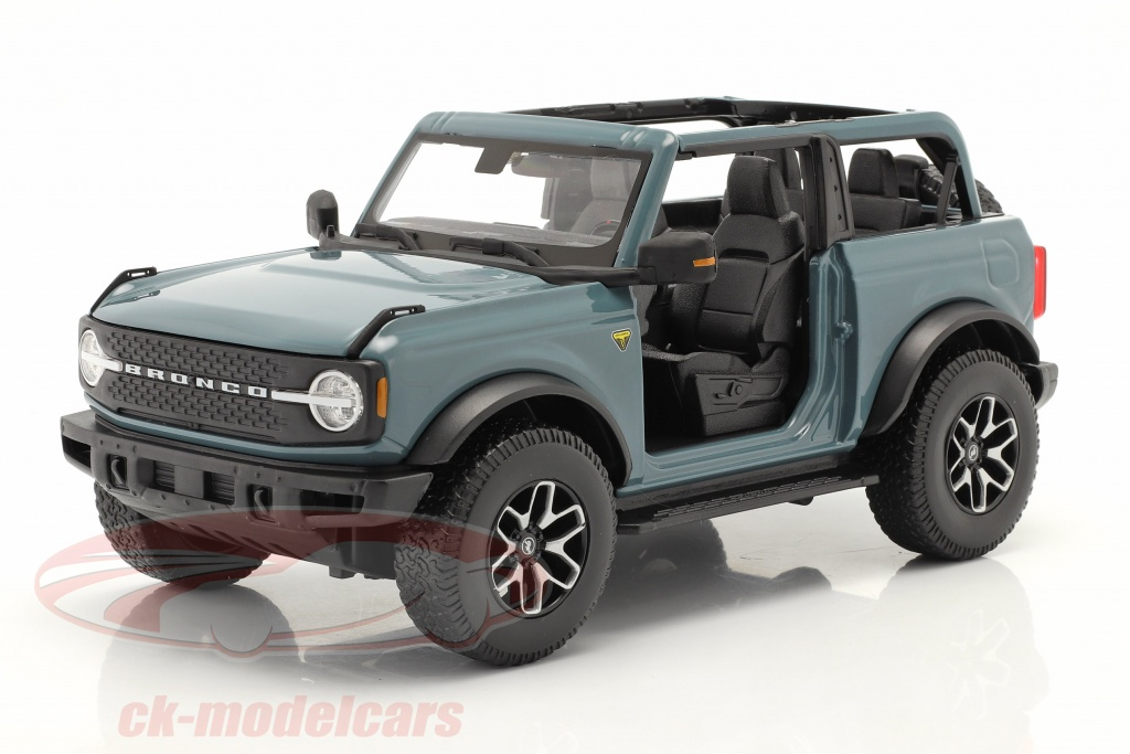 maisto-1-18-ford-bronco-badlands-without-doors-year-2021-gray-blue-31457/