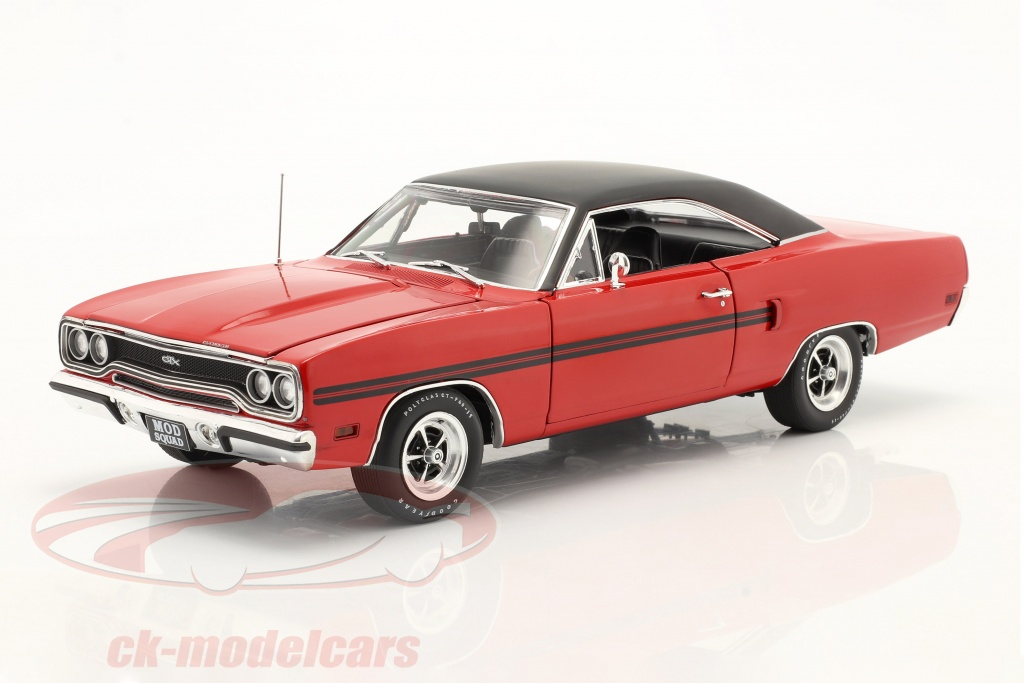 gmp-1-18-plymouth-gtx-1970-tv-serie-the-mod-squad-1968-73-rot-schwarz-18941/