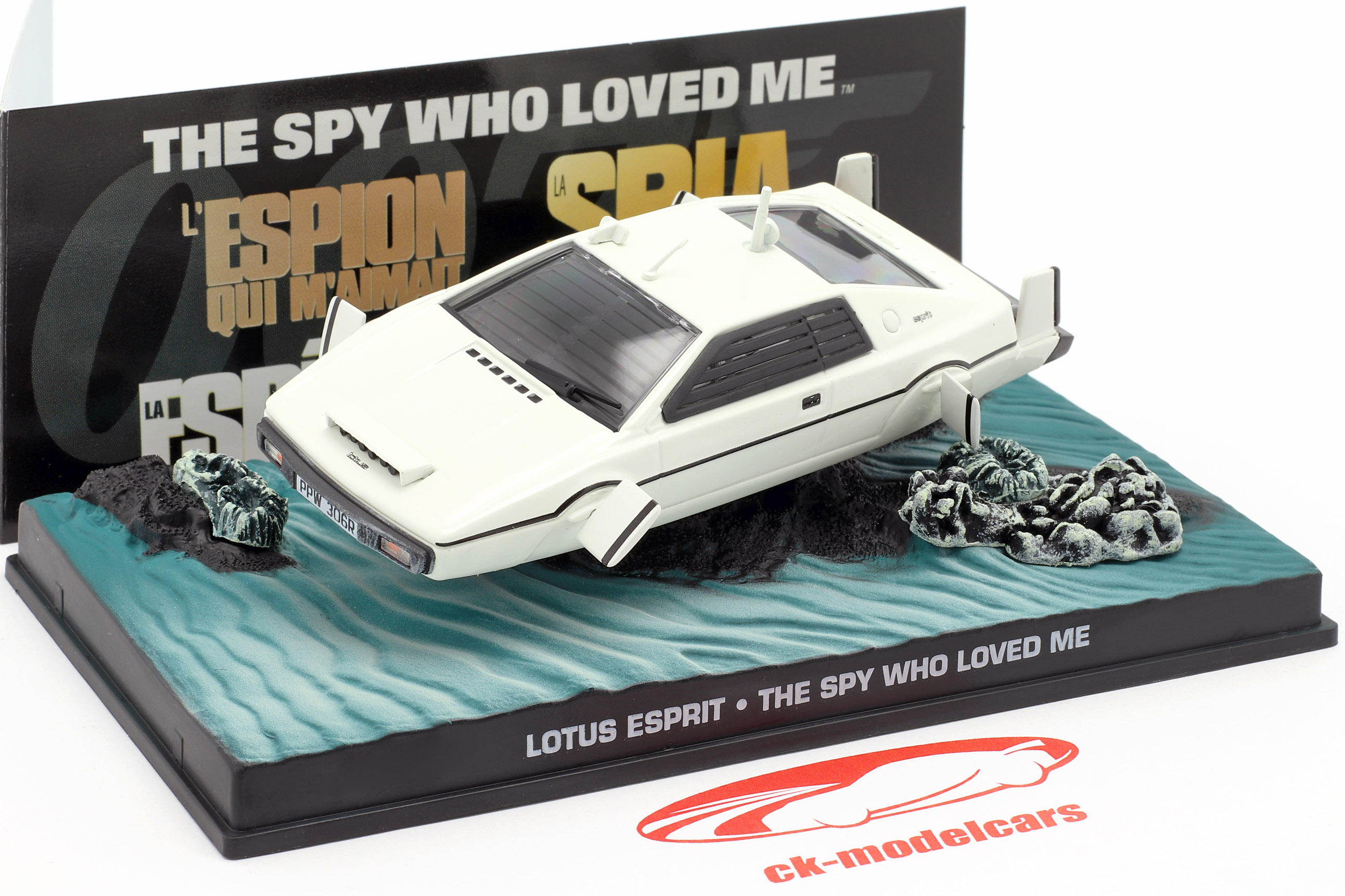 Lotus Esprit James Bond Car Film blanc The Spy Who Loved Me 1:43 Ixo