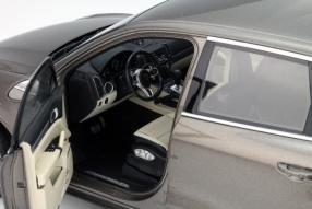 Minichamps Modellauto Porsche Cayenne Turbo S neu 1:18