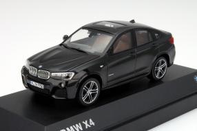 Neuer BMW X4 als Modellauto im Maßstab 1:43