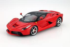 Modellauto Ferrari LaFerrari von Hot Wheels in 1:18