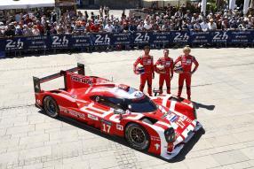 Porsche 919 hybrid bei der Endabnahme Le Mans 2015