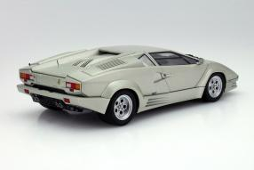 Spitzenklasse: Lamborghini Countach AutoArt im Maßstab 1:18