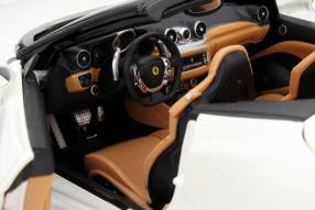 Ferrari California T 2014 aus der BBurago-Signature-Reihe
