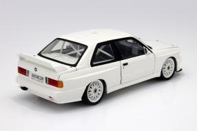 Sondermodell BMW M3 Plain Body 1992 Maßstab 1:18