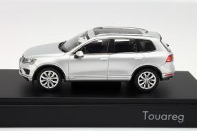 Modellauto VW Touareg Facelift Maßstab 1:43