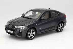 Neuer BMW X4 als Modellauto im Maßstab 1:18