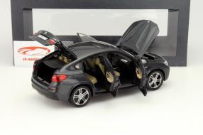 Modellauto BMW X4 im Maßstab 1:18