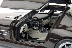 Modellauto Mercedes-Benz SLS AMG Maßstab 1:18