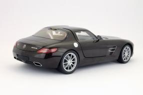 Minichamps Mercedes-Benz SLS AMG Maßstab 1:18
