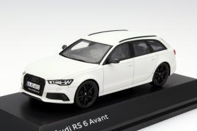 Modellauto Audi RS 6 Avant Maßstab 1:43