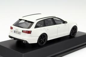 Audi RS 6 Avant Modellauto Maßstab 1:43