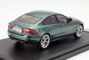 Modell Jaguar XE S 2015 im Maßstab 1:43