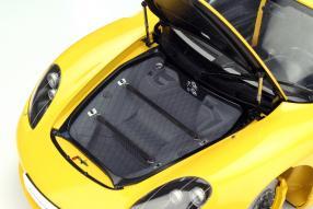 Modellauto Porsche Carrera GT im Maßstab 1:12