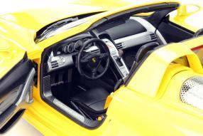 Porsche Carrera GT model car scale 1:12