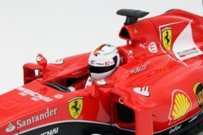 Modellauto Sebastian Vettel 2015 Ferrari SF15-T Maßstab 1:18