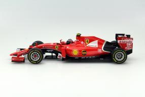 Modellauto Kimi Räikkönen Ferrari SF15-T Maßstab 1:18