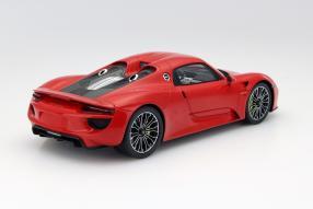 Model car Porsche 918 hybrid scale 1:18