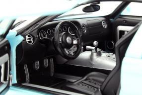 Kleinkunstwerk: Modellauto Ford GT 2004 Maßstab 1:18