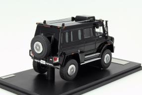 model car  Mercedes-Benz Unimog Wagon U5000 scale 1:43