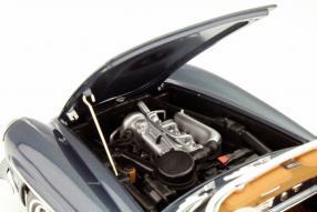 Norev Modellauto Mercedes-Benz 190 SL W 121 im Maßstab 1:18