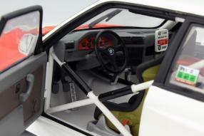 Interieur BMW M3 E30 #42 Cor Euser Maßstab 1:18