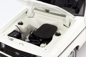 Ford Escort II RS 2000 im Maßstab 1:18 von Minichamps