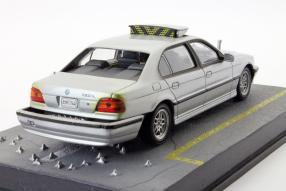 BMW 7er E38 Der Morgen stirbt nie 1:43