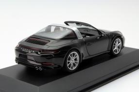 model car Porsche 911 991/II Targa von Herpa scale 1:43
