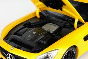 Modellauto Mercedes-AMG GT S Maßstab 1:18 von Norev