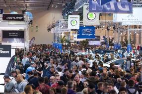 359.900 Besucher auf der Essen Motor Show 2015