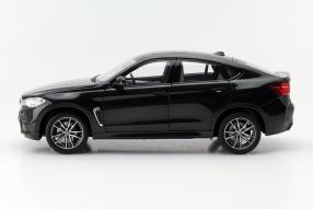 BMW X6 M im Maßstab 1:18