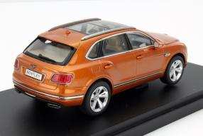 model car Bentley Bentayga scale 1:43