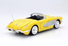 model car Chevrolet Corvette 1958 scale 1:18