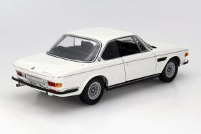 Modell BMW 3.0 CSI E9 1972 Maßstab 1:18