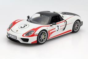 Porsche 918 Weissach Package 1:18