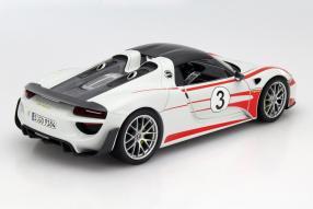 model car Porsche 918 Weissach Package scale 1:18
