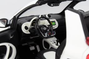 Modellauto smart fortwo Cabriolet 1:18