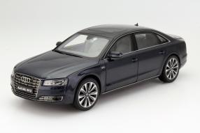Audi A8 Maßstab 1:18